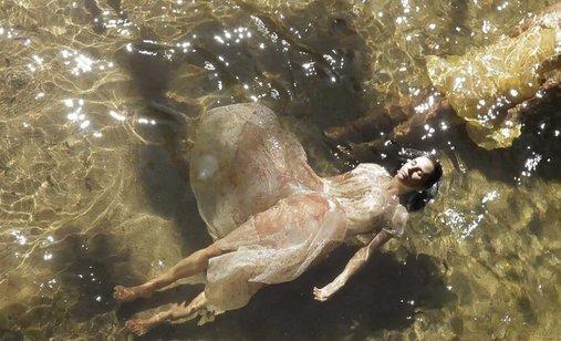Elena_water_scene