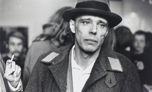 Beuys_besetzung(c)_zeroonefilm__stiftungmuseumschlossmoyland_klauslambertierichpuls