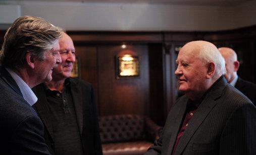 Meeting_gorbachev_press-kit_photo_2